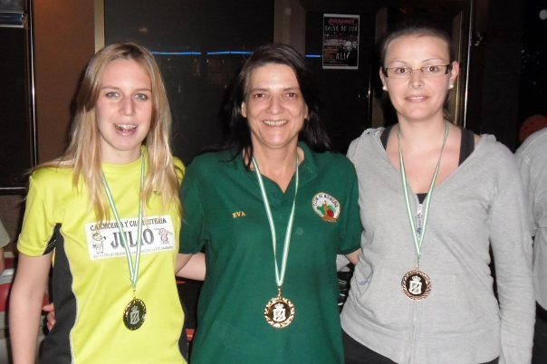 Podium-femenino-lll-Campeonato-Andalucíal-Bowling
