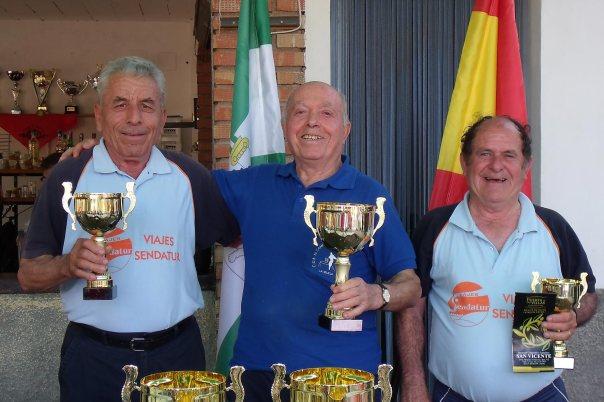 Podium-Superveteranos-XV-Copa-Federación-de-bolo-andaluz