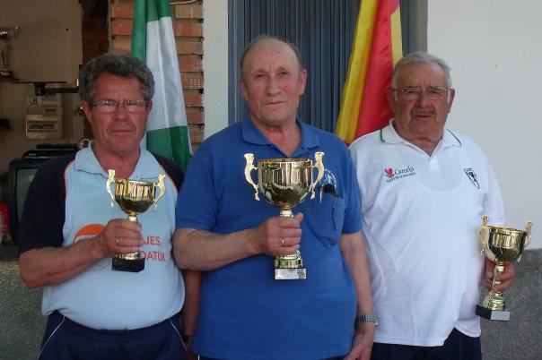 Podium-Veteranos-A-XV-Copa-Federación-de-bolo-andaluz