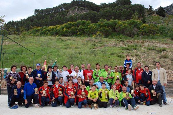 galardonados-y-autoridades-V-Trofeo-Parque-Natural-Cazorla