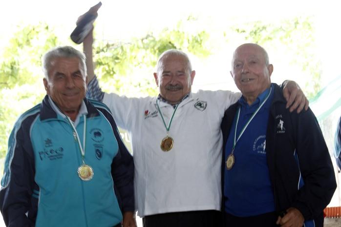 podium veteranos B campeonato andalucia bolo andaluz montaña 2013 foto familia